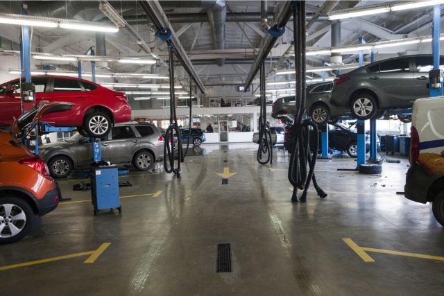 車検を行う民間整備工場